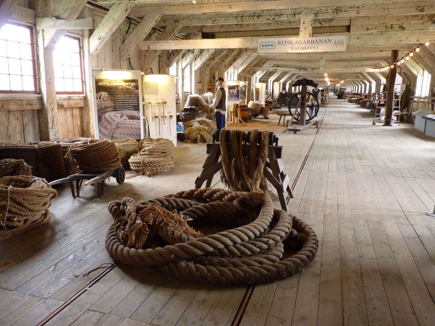 Guided tour - Boat tour and World Heritage tour with ropemaking