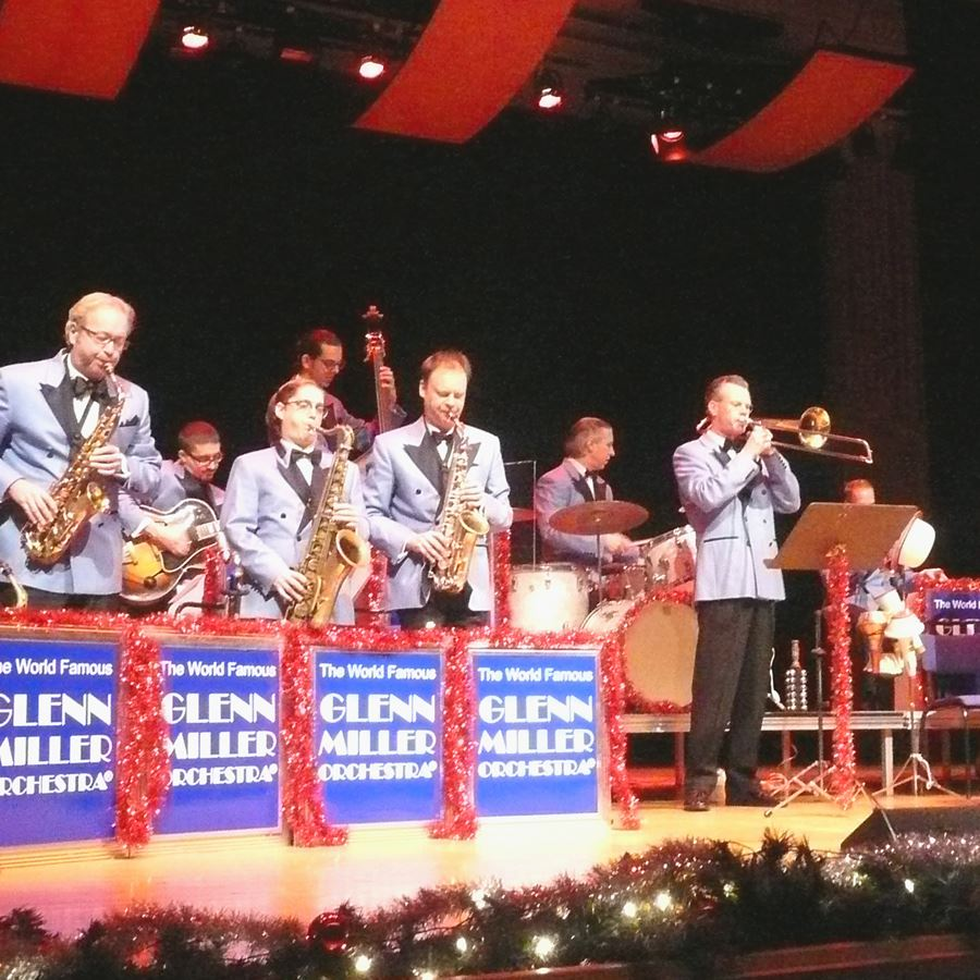Christmas Show with the Glenn Miller Orchestra