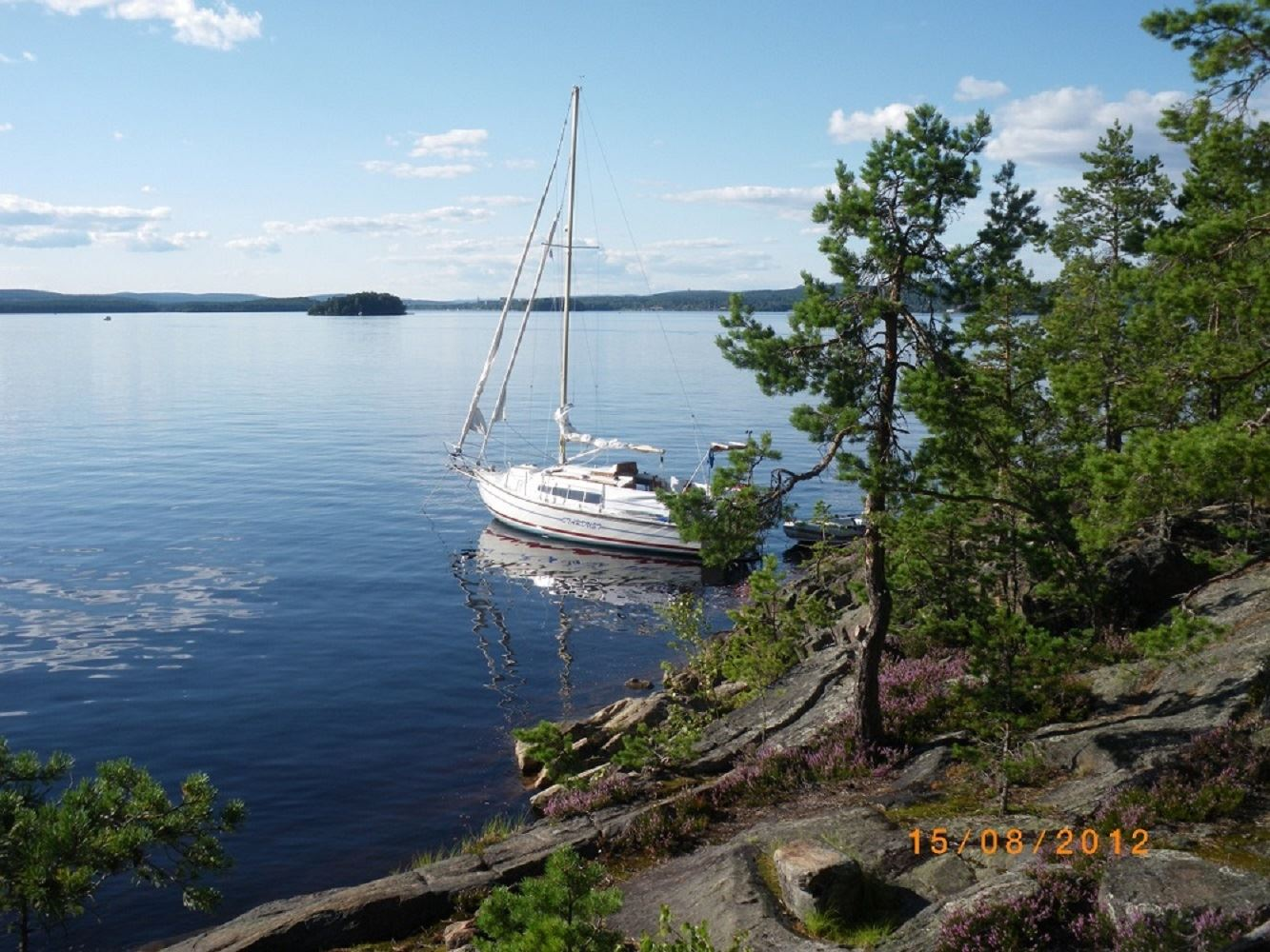 Spend your holiday in a full-equipped sailboat on Lake Runn - Runns Sjöbod