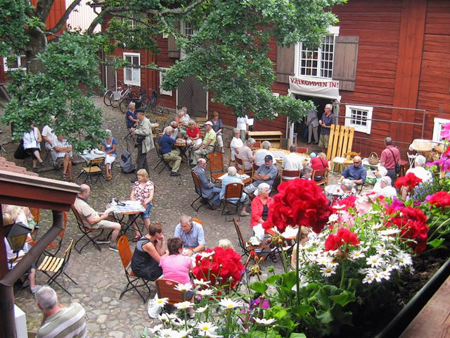 Krusagården Fleamarket and summercafé