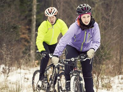 Biking on trails: The nature reserve tour