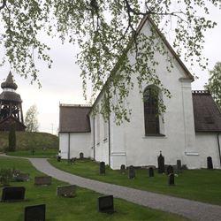 Kyrkovisning av Njutångers medeltidskyrka