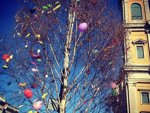 The Easter tree in the city!